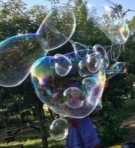Spotty Dotty and her Amazing Bubbles - Bubble Performer