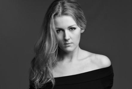 Meg Lamour - Female Singer