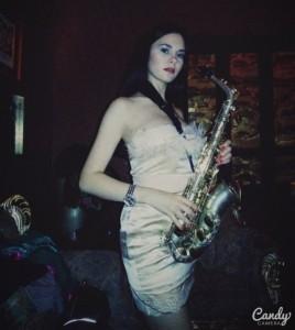 Cherry'n'Mary - music duet - female saxophonist & female singer pianist. image