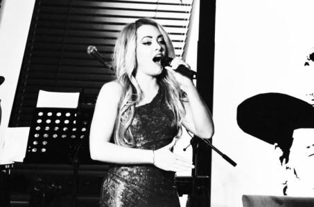 Danniella Mae  - Female Singer