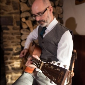 Chris Thomas - Guitar Singer