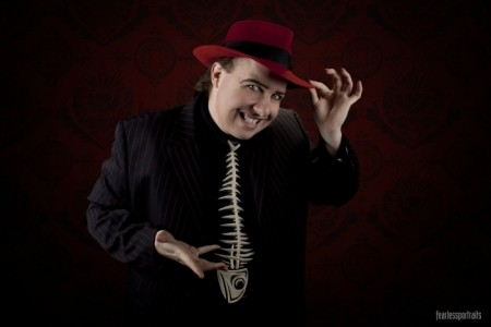 Bizzaro. The Optical Illusionist - Cabaret Magician