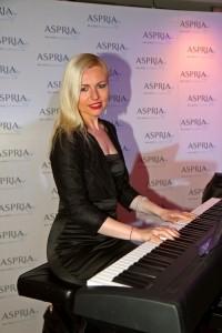 Katrina - Pianist / Keyboardist