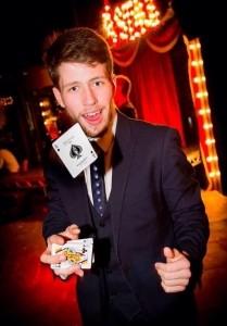 Nathan Newcastle - Close-up Magician