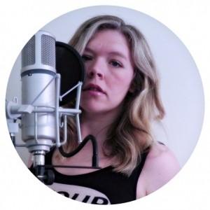 Essy Beth - Female Singer