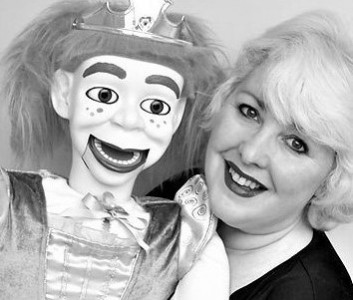 Merlynda Marlene - Walkabout Ventriloquist - Mix and Mingle Ventriloquist - Close-Up At Table Ventriloquist - The Perfect Ice-Breaker! - Corporate Events - Black Tie Events - Cocktails - Receptions - Balls - Ventriloquist