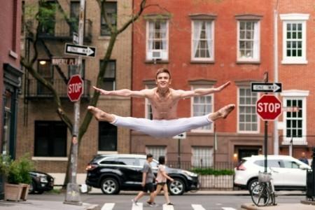 Oleksandr Hroshenko - Male Dancer