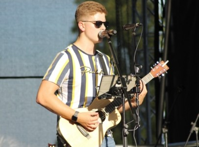 Josh Owens - Male Singer