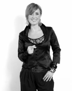 Heidi McCaffrey  Best Female Vocal Performer 2018 - South East England image