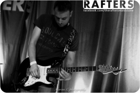 Robert Lyons - Electric Guitarist