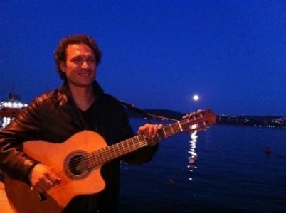 Kaptan Levent - Acoustic Guitarist / Vocalist