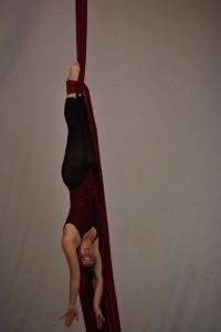 Kelsey Bell - Aerialist / Acrobat