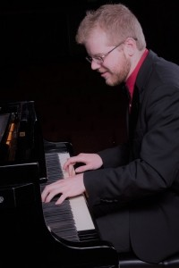 Zachary Hensel - Pianist / Keyboardist