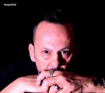 Carlo Zannetti - Acoustic Guitarist / Vocalist