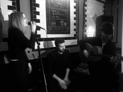 Amie Jane Brown and Shaun O'Reilly - Guitar Singer