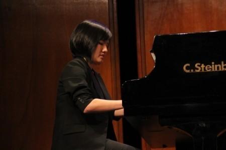 Vicky Tai - Pianist / Keyboardist