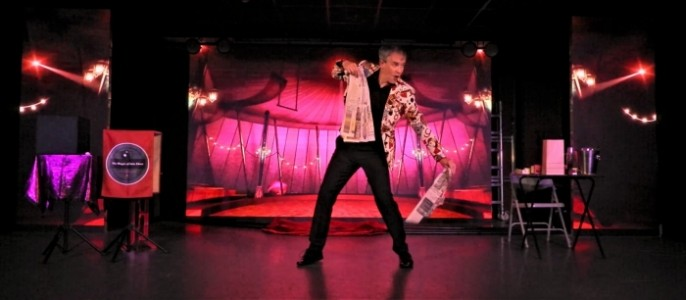 Magic of Iain Shaw - Close-Up / Weddings / Cabaret / Children's Entertainer / Corporate - Comedy Cabaret Magician