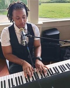 Singer/Pianist - Pianist / Singer