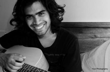 Shayne Reynolds - Acoustic Guitarist / Vocalist