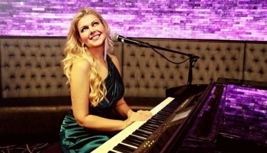 Julia Frants - Pianist / Keyboardist
