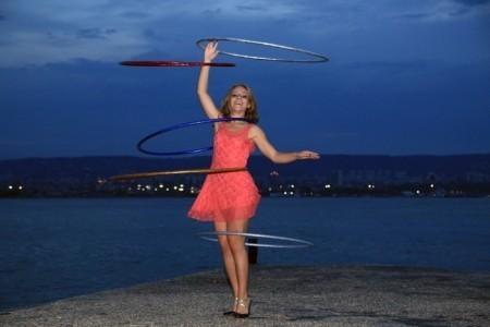 The Hula Hooper - Hula Hoop Performer