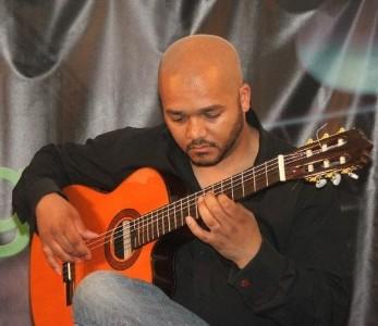 El Moro - Classical / Spanish Guitarist