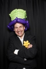 David Crofts Balloon Artist & Magician - Balloon Modeller