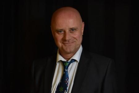 Steve Sutton - Male Singer