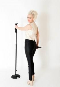 Michelle Hanson - Female Singer