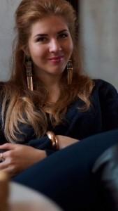 Rona Ray - Female Singer
