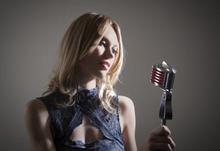 Debi Hall - Female Singer