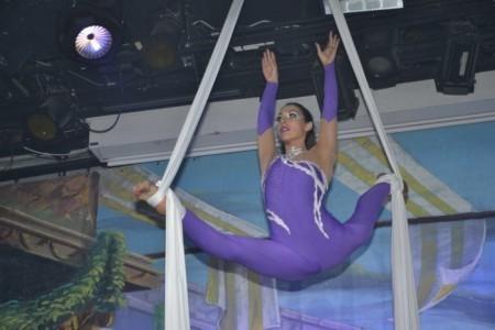 Svetlana - Aerialist / Acrobat