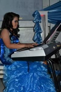 hazel go - Pianist / Singer