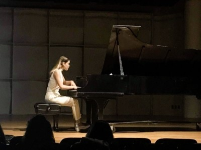 Marina Simeonova - Pianist / Keyboardist