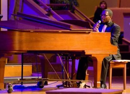 Desmond Scaife, Jr - Pianist / Singer