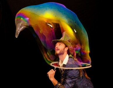 Maxwell the Bubbleologist - Bubble Performer