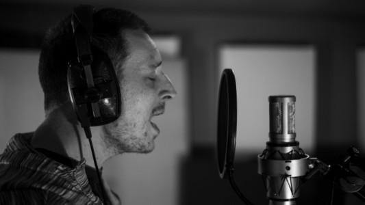 Alexander Colman - Acoustic Guitarist / Vocalist