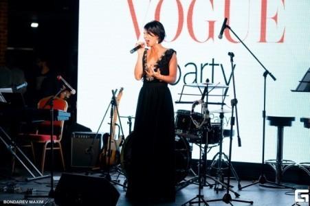 Anastasia Romanova - Female Singer