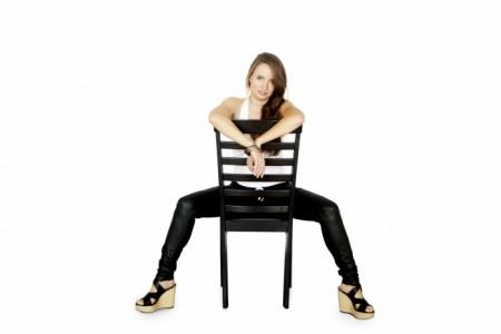pianist/singer Lisa - Female Singer