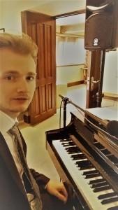 Arthur West - Pianist / Singer
