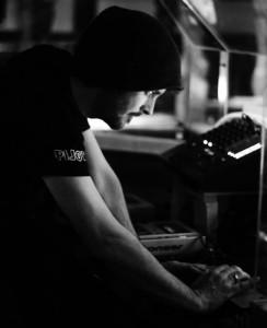 Mickey Greenwood - Party DJ
