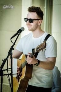 Bradley Osborne - Guitar Singer
