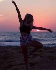 sophie molyneux - Female Dancer