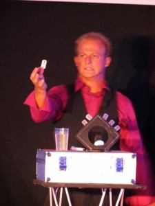 Comedy Magician Illusionist Alex Lodge International Illusionist   - Cabaret Magician