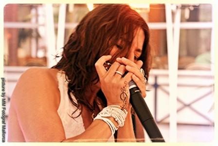 Christa Elmer Singer/Bluesharpplayer - Female Singer