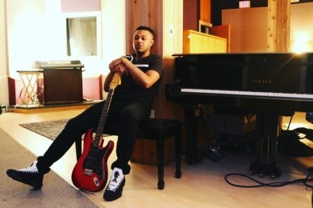 Dallas - Male Singer