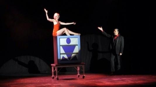 Diamond & Jade - Stage Illusionist
