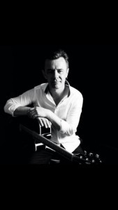 Paul Adams - Guitar Singer
