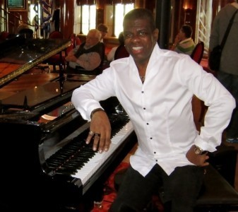 Nathaniel Reed - Pianist / Singer