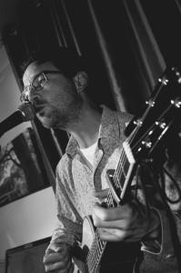 Vintage Vibration - Acoustic Guitarist / Vocalist